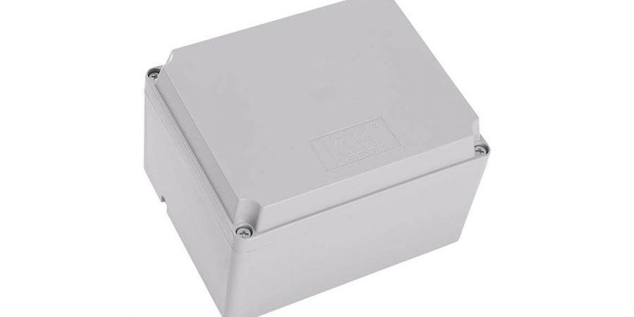 ¿Caja de pasajes de plástico o aluminio?