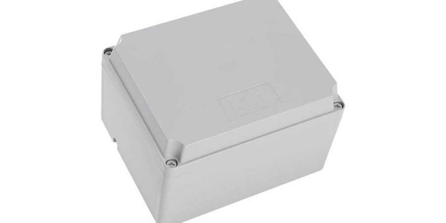 Plastic or aluminum junction box?